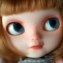 Mina's blue eyes