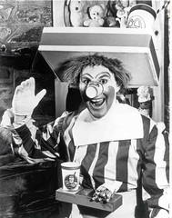 Willard Scott as Ronald McDonald (McDonaldsCorp) Tags: family ronald fun nbc restaurant clown mcdonalds ronaldmcdonald todayshow weatherman willardscott mcdonaldland weatherperson mcdonaldscorp