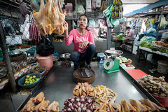 Central Market (Daddi Andrea) Tags: street city people food chicken vegetables canon river asia cambodge cambodia southeastasia strada khmer gente market south fiume goods meat eat pollo mercato mekong centralmarket indochine citt tonlesap lightroom kampuchea phnompehn cambogia 70d kmer indocina