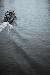 Cruisin' (James KEZMAN Photo) Tags: leica cruise blackandwhite bw paris france byn blancoynegro boat blackwhite noiretblanc nb bateau allrightsreserved parisfrance m9 2014 selenium jmk laseine parisbynight croisiere seleniumtone iloveparisinthespringtime tousdroitsréservés parisennoiretblanc parisinspring leicam9 jameskezman leicaimages parisinblackwhite jmkezman ilovemyleica zeiss250zm zeissplanarf250mmzm parisinmonochrome parisenmonochrome ©2014jameskezman parisenprintemps