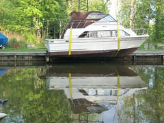 b8 (dcongden) Tags: ny marina crane carver bridgeport koehring