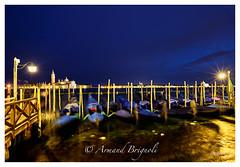 L'Or sur le canal (armandbrignoli) Tags: venise or canal gondole couleur eau ville italie ponton embarcadre gondola landscape city water canon 5d2