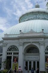 Conservatory (JenGallardo) Tags: nyc newyorkcity ny newyork bronx conservatory nybg newyorkbotanicalgarden fridakahloexhibit
