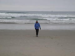 2016-04-26_DSCN5270 (becklectic) Tags: beach oregon pacificocean oregoncoast amie 2016 newportjetty