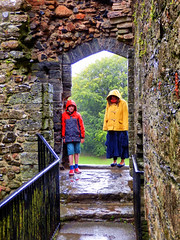 Holidaymakers, Lydford Castle, West Devon (photphobia) Tags: uk summer holiday building castle rain weather architecture buildings gloomy cloudy outdoor overcast tourists norman devon keep dartmoor castillo damp downpour castlekeep holidaymakers lydford lydfordcastle oldwivestale westdevon normanwall