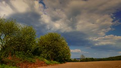 Tout prs de chez moi (Yasmine Hens) Tags: sky home nature clouds landscape europa flickr belgium ngc nuages paysage campaign campagne namur hens yasmine wallonie iamflickr flickrunitedaward hensyasmine