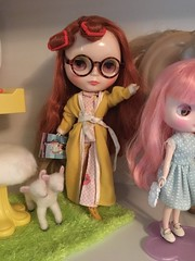 """""""According the Elle, getting less than 8 hours of sleep due to noisy people making noise all night is guaranteed to reduce one's lifespan by up to 18 years!"""" (andersonsmith.katie) Tags: fashion doll robe petra skipper peaceful pixie bedtime blythe pajamas shrew curlers middie xinochka xinochika"""