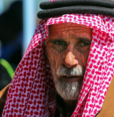 "L'enfer, c'est les autres (""hell is other people."") (ybiberman) Tags: portrait man israel candid jerusalem streetphotography ramadan wrinkles muslimquarter oldcity alquds akal fridayprayer kaffia"