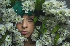 La dame et les fleurs. (MementoMori-) Tags: light portrait people woman flower nature self photography eyes nikon sad young soul semplicity