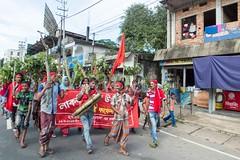 H504_3397 (bandashing) Tags: street red england tree men manchester shrine hill crowd logs rickshaw sylhet bangladesh carry socialdocumentary followers mazar mystics aoa shahjalal bandashing akhtarowaisahmed treecuttingfestival lallalshahjalal