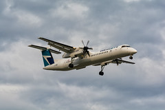 S T O R M Y (antoine.guay) Tags: light weather airplane airport nice aviation bad 8 stormy canadian best dash airlines westjet encore avion bombardier q400 avgeek dash8q400 avporn