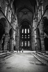 Abbey, Villers-la-Ville (Tom Cuppens) Tags: blackandwhite bw abbey belgium belgique belgie noiretblanc zwartwit ruine brabant ruines wallon abbaye abdij villerslaville waalsbrabant