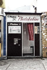 (Delay Tactics) Tags: berlin vintage photo booth kabine photography curtain stickers tourist attraction 4 2 € machine photoautomat fotoautomat photokabine