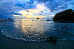 IMG_4390 ~ kelmarin (achem74) Tags: telukcempedak kuantan pahang malaysia beach coast travel places trip sunrise canon eos eos700d canoneos700d canonlens 10mm18mm wideangle