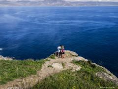 2087  Desde Cabo Finisterre, La Corua (Ricard Gabarrs) Tags: costa water mar cabo agua playa olympus arena olas roca acantilado rocas airelibre cabofinisterre ricgaba ricardgabarrus
