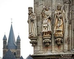 Rathauslaube with Great St. Martin Church in background, Cologne Germany (PhotosToArtByMike) Tags: rathaus colognecityhall klnerrathaus rathauslaube greatstmartinchurch oldtownhall colognegermany cologne germany ratsturm tower cityhall sculpture statues dom koln klnerdom oldtown rhineriver oldquarterofcologne europe