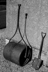 Roller & Spade (Xesh_Photography) Tags: building wall object roller spade