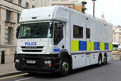 Metropolitan Police Iveco Stralis Underwater Search Unit (PFB-999) Tags: rescue colour london truck search underwater police lorry vehicle leds service met metropolitan grilles iveco unit the mps 2016 trooping stralis bv63wya