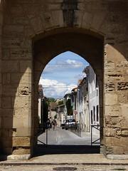 porta aperta (fotomie2009) Tags: walls mura ramparts remparts cinta muraria francia aigues mortes aiguesmortes france gard languedoc aigas mrtas medioevo medievale medioevale mdivale