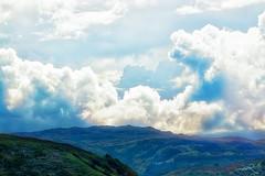 Himmel / Erde (Jan mrik) Tags: light sky panorama sunlight skye green clouds canon eos licht scotland rocks heaven wolken des hills insel berge grn landschaft sonne isle schatten schottland 70d nebels cmrk cmarik