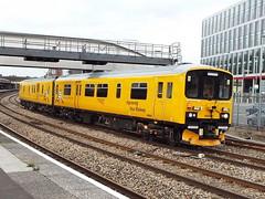 950001 at newport (47604) Tags: newport dmu networkrail 950001