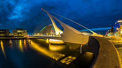 Samuel Beckett Bridge - No. 1 - Dublin (K.H.Reichert) Tags: bridge dublin reflection architecture night river nightshot irland liffey calatrava architektur bluehour brcke fluss blauestunde nachtfoto cablestayedbridge schrgseilbrcke