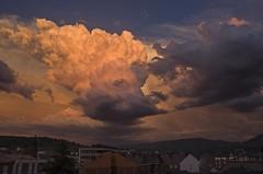 _DSC3688 hoy en la ventana... a las diez (Rodo Lpez) Tags: amaceres atardeceres atardecer nubes sol luz tormenta tormentas bembibre castillayleon castillayleonesvida spain sentimientos espaa leon explore nikon naturebynikon nikonistas