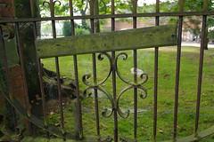 A forgotten gate (Vstromkid) Tags: gate samsung nx