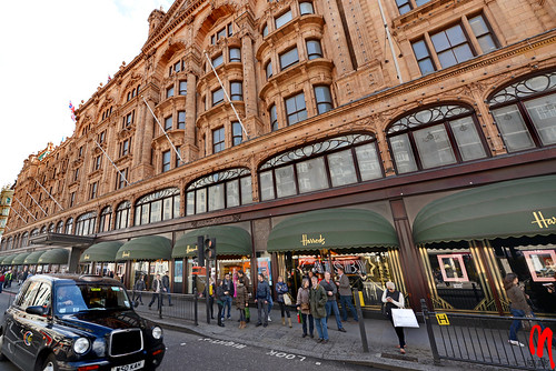 Phot.London.Harrods.01.041326.5093