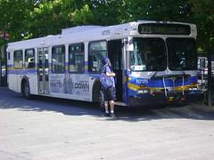 N7175 (Juan_M._Sanchez) Tags: new bus vancouver flyer north 1996 1999 surrey translink d40lf cmbc