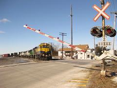 Gates are coming down... (Michael Berry Railfan) Tags: train quebec ge farnham generalelectric levelcrossing railwaycrossing crossinggate mma c307 b398e montrealmaineatlanticrailway farnhamyard mma8541 mma3609 mma5025 mma8525