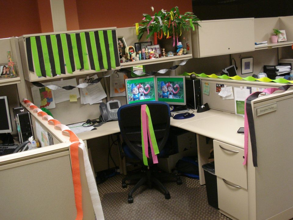 Birthday Eve 2012 SSPoseidon Tags Decorations Cubicle Crepepaper