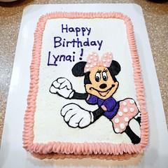 Minnie Mouse cake by Jenni, RDU,NC, www.birthdaycakes4free.com