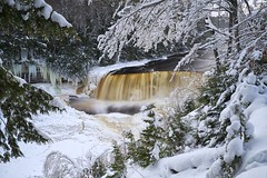 winter solstice, upper tahquamenon falls, michigan (twurdemann) Tags: longexposure winter mist snow ice nature water landscape flow frozen waterfall midwest view unitedstates michigan tourist wintersolstice icicle gorge upperpeninsula vantage tahquamenonfalls 10seconds northcountry northernmichigan tahquamenonriver lucecounty tannin michiganstatepark neutraldensityfilter colorefex nd106 49768 icebuildup reflectorefex detailextractor fujixe1