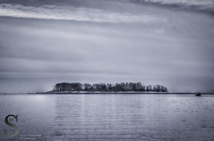 Charles Island with  some snow on the ground- (Singing With Light) Tags: morning ice beach fog photography pier gulf pentax january 8 february k3 2014 ctwinter gulfbeach miilford lismanlanding singingwithlight singingwithlightphotography