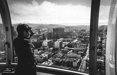 L'atome. (Robin Butler) Tags: street usa white black building robin architecture san francisco noir butler nd paysage et blanc droulez