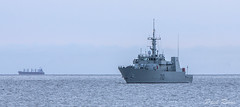 1120 HMCS Brandon (Paul Rioux) Tags: morning canada dawn boat marine ship bc britishcolumbia military navy brandon reserve vessel victoria canadian vancouverisland naval caf forces daybreak armed canadianarmedforces hmcs juandefucastrait canadianforces salishsea royalcanadiannavy kingstonclass canadiannavy prioux
