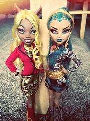 The Big Sisters (Closer) (Venus_Forever) Tags: monster de big high wolf doll dolls sister nile mattel clawdia nefera