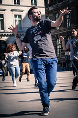Clap you hands (johan masia) Tags: voyage street trip travel paris color colour 50mm calle dance nikon strada colore danza streetphotography danse rue couleur homme parigi photoderue d90 streephotography fotodistrada