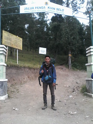 "Pengembaraan Sakuntala ank 26 Merbabu & Merapi 2014 • <a style=""font-size:0.8em;"" href=""http://www.flickr.com/photos/24767572@N00/26556926344/"" target=""_blank"">View on Flickr</a>"