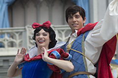 Snow White & Charming (CptSpeedy) Tags: walt disney world magickingdom princess prince princesses storybook performer outdoors dreams dreamalong mickeymouse castle happy couples