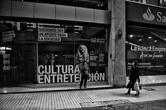 Santiago de Chile (Alejandro Bonilla) Tags: chile street city santiago urban monocromo sam minolta sony streetphotography urbana urbano santiagodechile urbe urbex santiagochile monocromatico santiaguinos sonya290 manuelvenegas