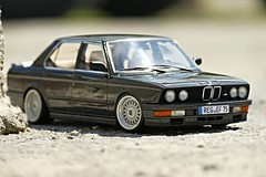 1:18 Autoart - BMW M 535i (vwcorrado89) Tags: scale miniature model die 5 cast bmw series modell m5 modelcar 118 scaled diecast 5er e28 reihe 535i autoart modellauto miniaturecar scalecar m535i miniaturauto miniaturmodell