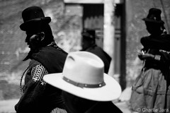 ► Al sur. #StreetPhoto #Fotografía #CharlieJara #StreetPhotography #documentary #FotografíaCallejera #FotografíaCallejera #everydaylatinamerica #perú (Charlie.Jara) Tags: streetphoto fotografía charliejara streetphotography documentary fotografíacallejera everydaylatinamerica perú