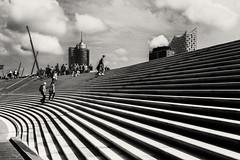 Hamburg Hafen (flamboyance design) Tags: street sky people haven clouds stairs composition canon eos leute hamburg himmel menschen l situation schwarzweiss hafen komposition 6d treppenstufen einfarbig elbphilharmonie