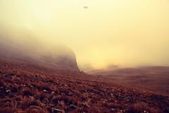 neblina (betho itinerante) Tags: naturaleza color luz sol paisaje viento dia amanecer cielo nubes contraste montaa neblina fro sombras rocas altura horizonte cresta rayosdesol volcn