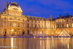 2016_juin-13__MG_9011.jpg (toto_la_photo) Tags: louvre seine night paris monument pyramidedulouvre