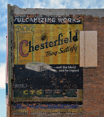 smokes (Patinagal) Tags: brick sign typography advertisement signage peelingpaint relic ghostsign