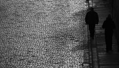 Sous les pavs... (lluiscn) Tags: street homes bw white black blanco monochrome shadows negro bn len blanc carrer negre lle ombres castilla pavs vila castella peatones pedres cam empedrat vianant vila