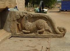 Yali, Ranganthaswamy Temple, Srirangapatna (Aidan McRae Thomson) Tags: sculpture india temple carving relief karnataka hindu srirangapatna